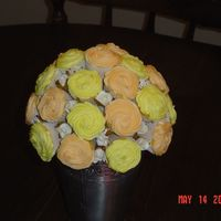 Cupcake Bouquet This was done for mothers day, they are creamsicle(cmd) with orange icing