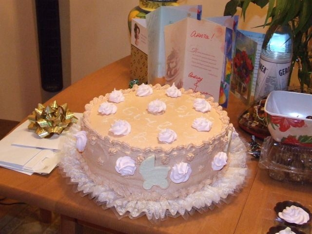 Babyshower Cake For Baby Girl Marshmellow and chocolad decoration, butter and sweetcondencent milk icing.