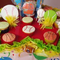 Sport Cupcakes With Fondant