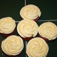 Strawberry Lemonade Cupcakes   Found recipe on her by Ishi (Thank you they are delicious).