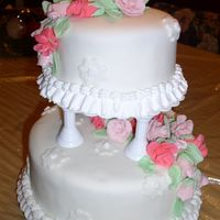 Class 4 Course3 Fondant 2 tier wedding cake