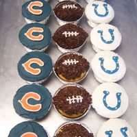 Superbowl Cupcakes   Bears vs Colts Superbowl cupcakes