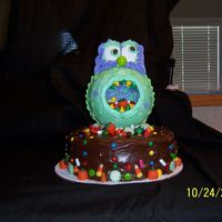 100_0917.jpg This cake was inspired by one that was featured in a Wilton Yearbook.