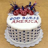 Patriotic Basketweave Basketweave isn't just for easter and wedding cakes! I used it to create a fun and colorful patriotic cake. The cake and roses are...