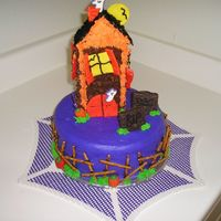 Haunted House This was my second cake and my first attempt at the VIVA technique. My favorite part was the fence! House is BC on Graham Crackers, glued...