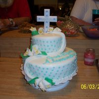 Baptisum I had a lot of fun making this cake. This was the first time I made these flowers