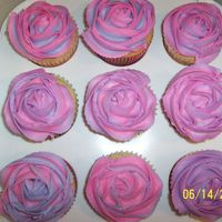 I Finally Did It! After trying and trying, I finally figured out how to make my cupcakes look like roses for cupcake bouquets! These are for my daughters...