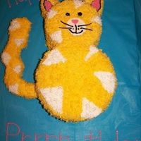 Happy Prrr-Thday This cat cake was made for a cat lover's. She has several cats and her friends want some type of cat cake for her birthday.