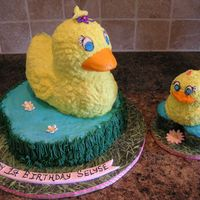 Request For A Girly Duck had alot of trouble with small smash cake, so had to alter the design for the puddle to be cupcakes instead...not my favorite, but design...