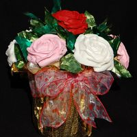Valentine Cupcake Bouquet cupcake bouquet done to showcase valentine specials.