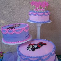 Minnie Cake   Butterpecan cake, and Chocolate cakes with strwberry filling
