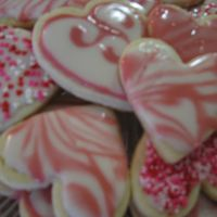 Heart Cookies For Valentine's Day  I used the glace' icing from Toba Garrett's book Creative Cookies. Love the icing! It takes longer to dry but creates a beautiful...