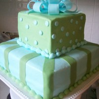 Package butter cream icing w/ fondant bow