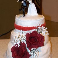 100_1797.jpg THIS IS MY FIRST WEDDING CAKE