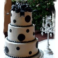 Black Bow   This cake was done for a wonderful couple on their Christmas wedding.