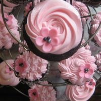 Pink And Black Cupcakes Cupcakes for a bridal shower