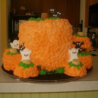 Pumpkin Patch This pumpkin patch was made of 2 full size bundt pan cakes (pound cake) and 2 rounds. The mini pumpkins were made using mini-bundt pan...