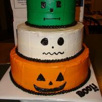 Halloween Cake I %100 copied this cake off of culinarycreations, a member here! I just thought it was such an cute idea!