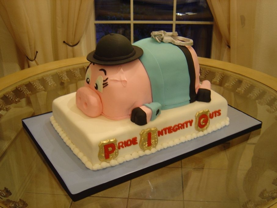 Police Pig This cake was for my husband who is a police officer.
