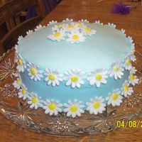 Daisy Cake   I made this for a friends Bridal shower.
