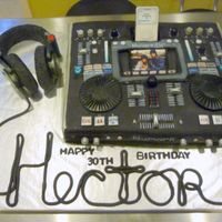 Ipod Mixer Deck This was by far the most difficult... and most fun (!) cake I've ever done. This is a 30th birthday cake for a guy who is a DJ. It&#...