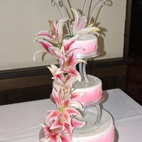 Airbrushed Cake With Fresh Lilys