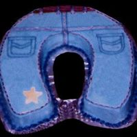 Blue Jean Cake An easy, quick cake made from the Wilton horseshoe pan decorated as blue jeans.