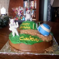 Planet 51 Planet 51 cake using kids meal toys