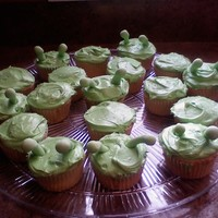 Planet 51 Alien Cupcakes These were made to go with my son's Planet 51 birthday cake.