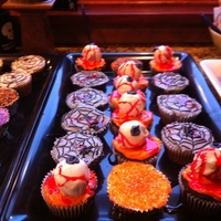 Eyeballs & Spiderweb's   Cupcakes for Halloween-Eyeballs and spider webs