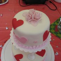 Valentine Cake - Top View Roses made of fondant and gum tex - have a good look, I will probably never make them again ;)