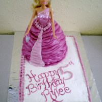 Rylee's 5Th Birthday This is a barbie birthday cake I made for my friend's daughter.