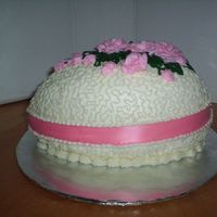 Egg   Here is an Easter egg with BC icing and a satin ribbon.....