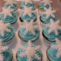 Snowflake Cupcakes I used the snowflake cutter.