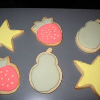 Img_2015.jpg no fail cookies and icing. still practicing, but pleased with the results.