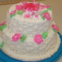 Bolo_2_Andares.jpg First Tiered Cake in my life. Wilton Class III