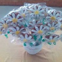 Gingerbread Daisy Boquet Gingerbread with royal icing