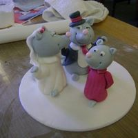 Mouse Wedding Topper - Debbie Brown London, May 2009 Made at Debbie Brown's London Workshop. I really enjoyed making it. Unfortunately, it didn't survive the tube and train trips...