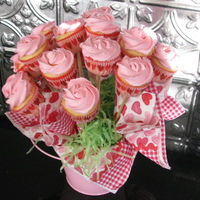 Valentine Cupcake Bouquet Mini cupcakes with buttercream.