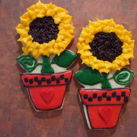 Potted Sunflower I got this inspiration from GeminiRJ's potted heart...RI and Rolled Buttercream..such fun to make a little time consuming but I'm...