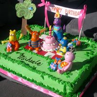 Backyardigans Birthday  Here we are Mickaela? Wer'e waiting for you.We want to go to your party. Well i got this great cake from JanJefs post. I was so happy...