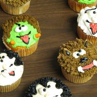 Halloween Monsters I found these cupcakes in the Wilton 1996 yearbook. I was asked the day before Halloween if I could make some sort of cake for work, so I...
