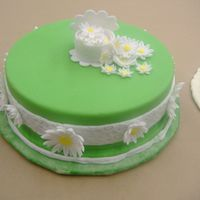 Springtime Cake With Daisy Flowers. This was my final cake for wilton course #4 gum paste/fondant.