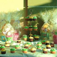 Easter Goodies cupcakes & cookie bouquets for table display.