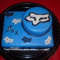 Julians_Birthday_026.jpg my sister and i made this for a friend's son...he wanted fox racing