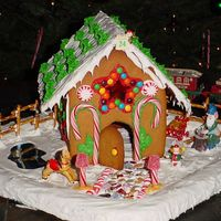 2005 Christmas Gingerbread House