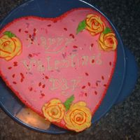 2006_0213014.jpg A dble layer strawberry cake for my husbands work.
