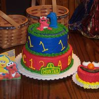 Elmo's First Birthday Cake With Childs Own Cake