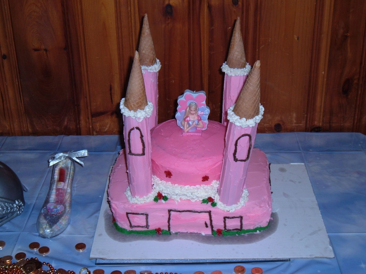 Princess Castle  Thanks for all the help. My daughter loved the cake, my hubby hates that I unrolled 4 paper towell rolls after the cupcakes failed. Oh well...