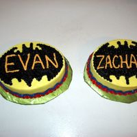 Batman Smash Cake For Two Four Yobs. These were the smash cakes I did in conjunction with the bigger cake. I was so tired that I didn't realize the bat wings were wrong (...